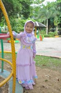 gaun anak model Missy Ungu (beda variasi sifon) ukuran Size 10 (8-10thn) (panjang 105cm) rp.284.000. order SMS 081314165023 (SMS ONLY)